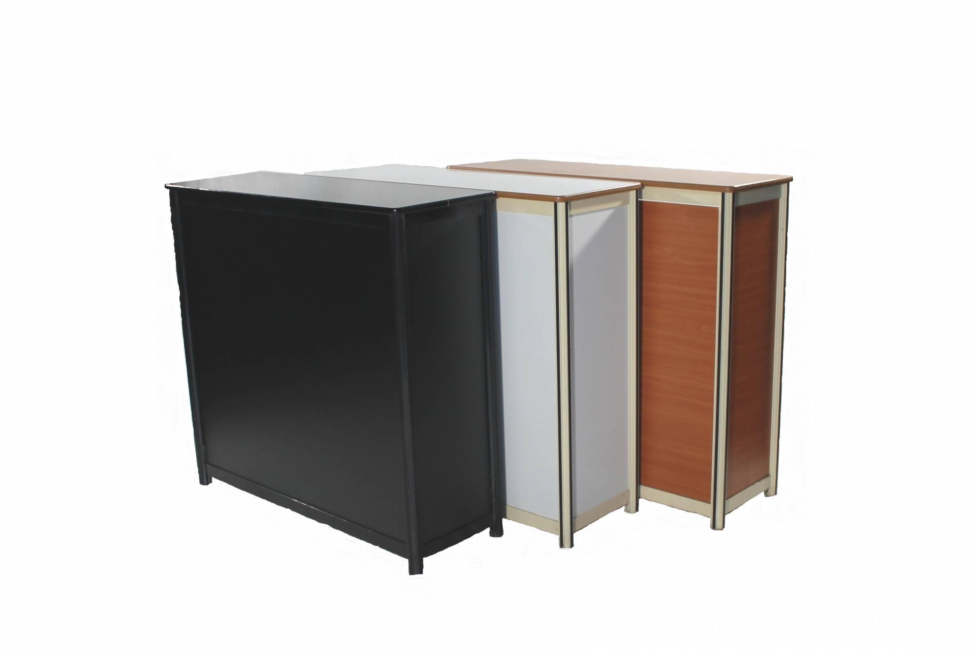 prix location d 39 un chapiteau lyon 69 interloc. Black Bedroom Furniture Sets. Home Design Ideas