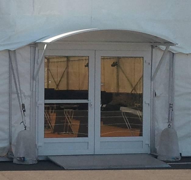 Porte double vitrée avec casquette